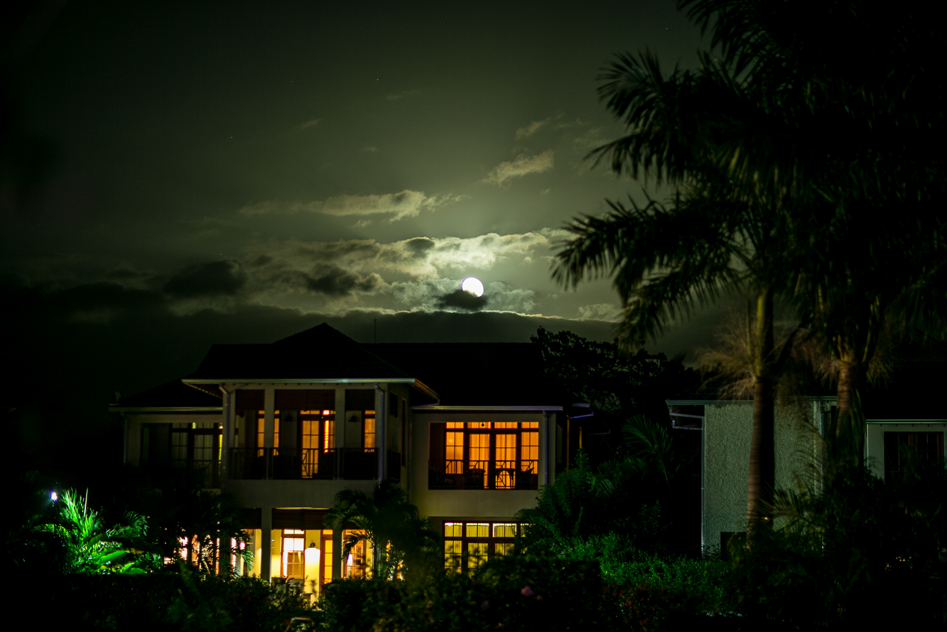wedding-jamaica-moon-set